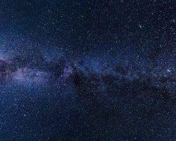 Источником «сигналов инопланетян» назвали странные звезды