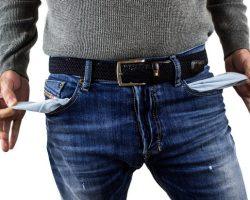 Латифундисты с нулевым доходом: более 60 региональных депутатов оказались бедняками